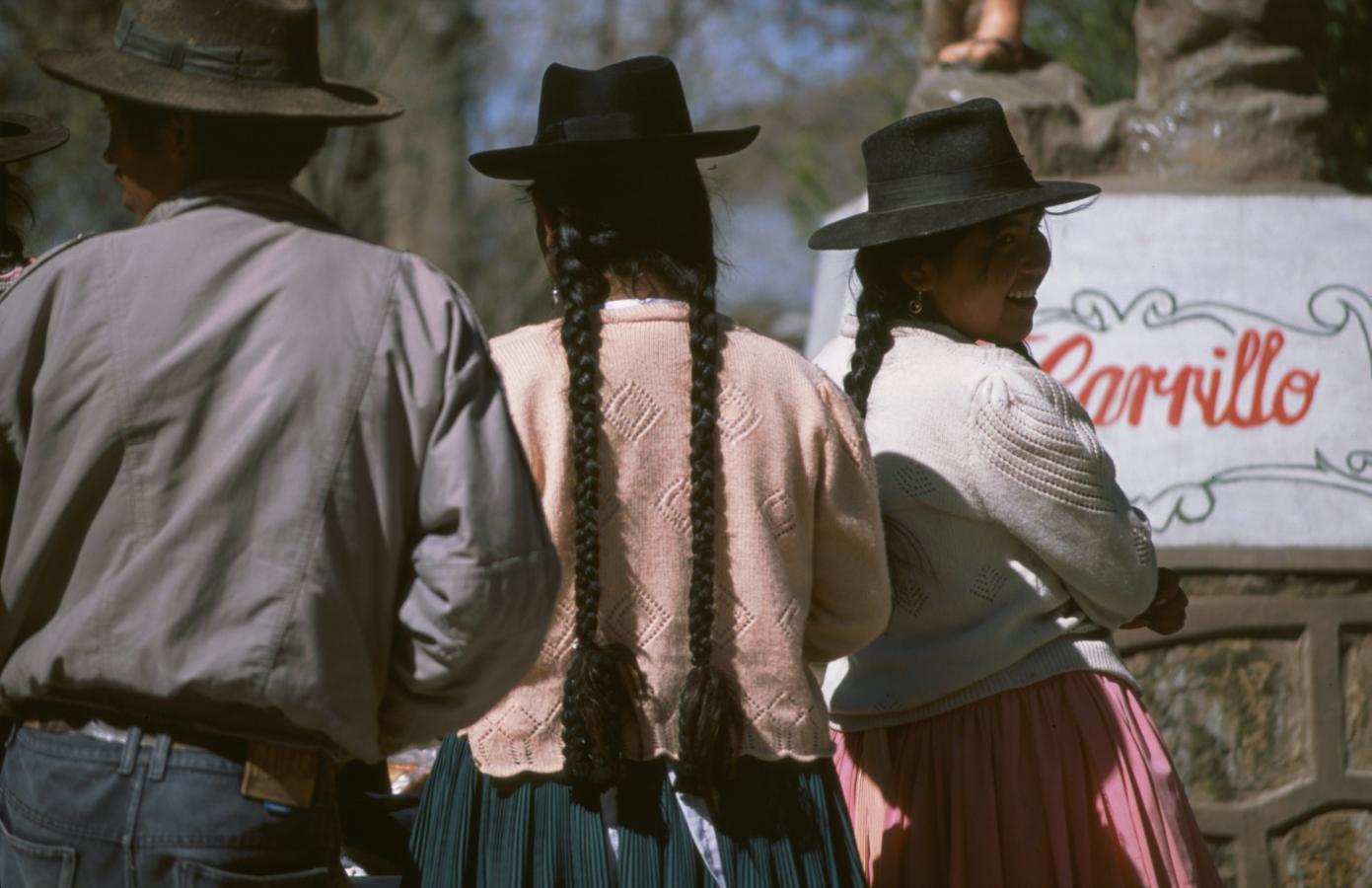 lama-glama-1-bolivia-2001