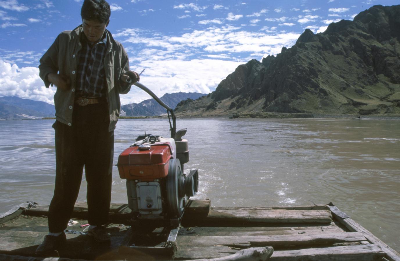 tsangpo-ferry-to-samye-monastery-tibet-2000
