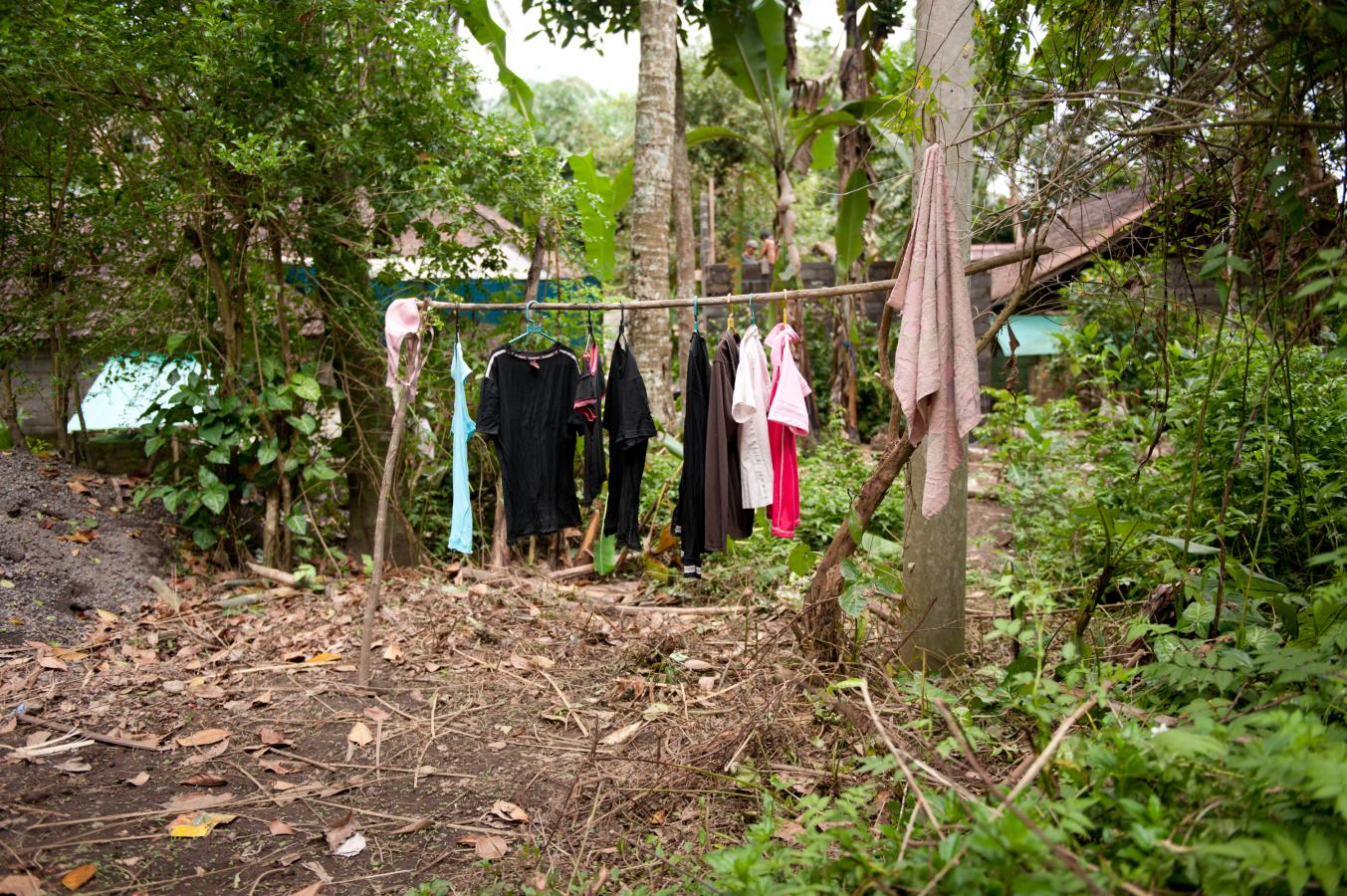 laundry-day-somewhere-around-sidemen-bali-2010