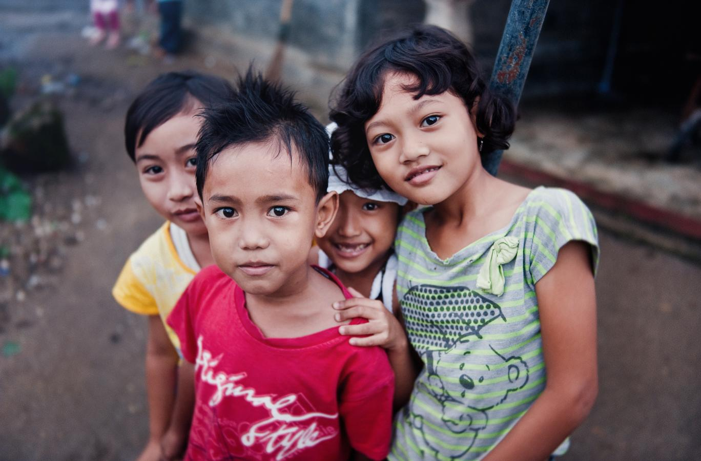 children-in-carita-java-2010