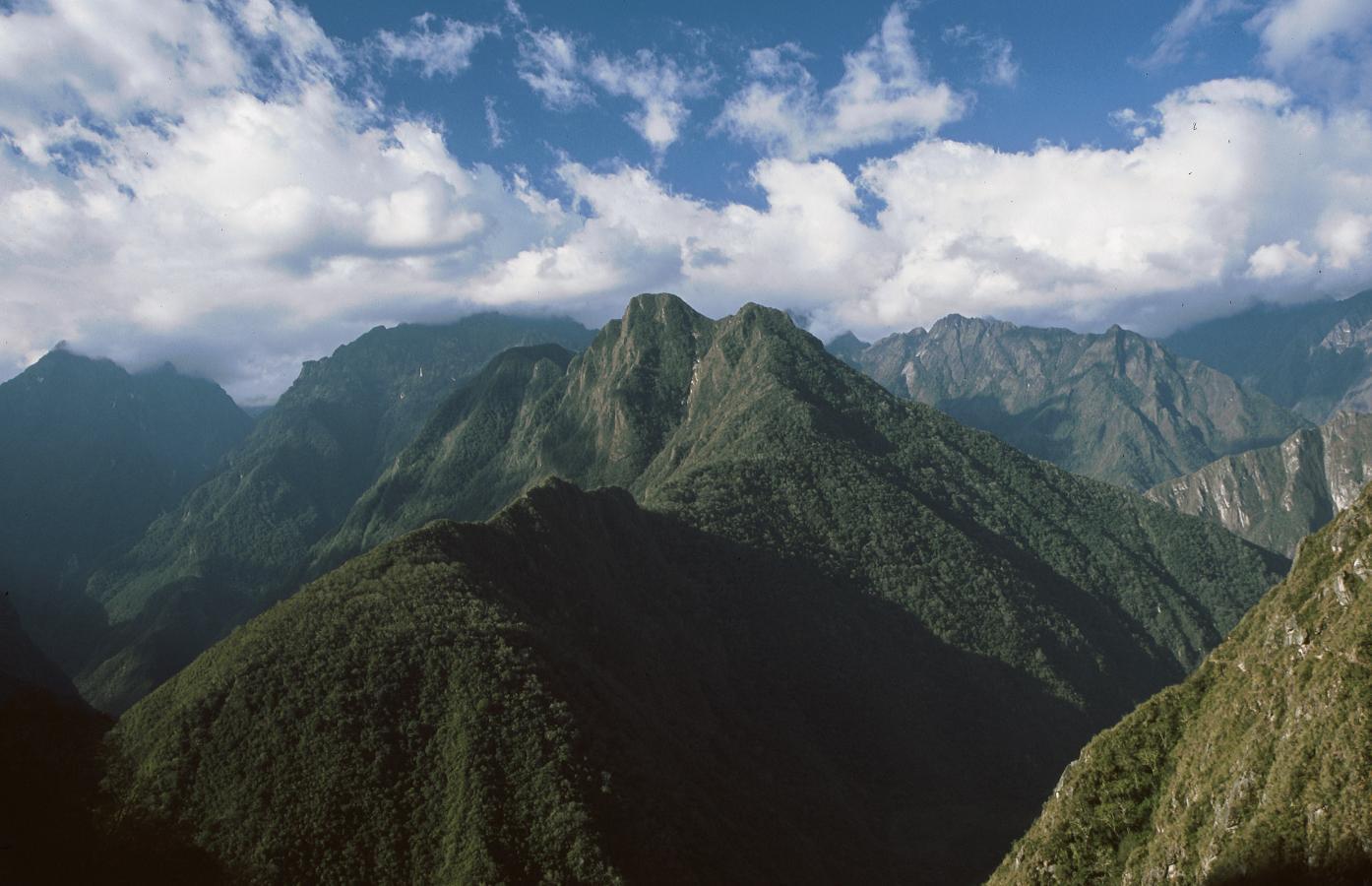 inca-trail-to-machu-picchu-peru-2001