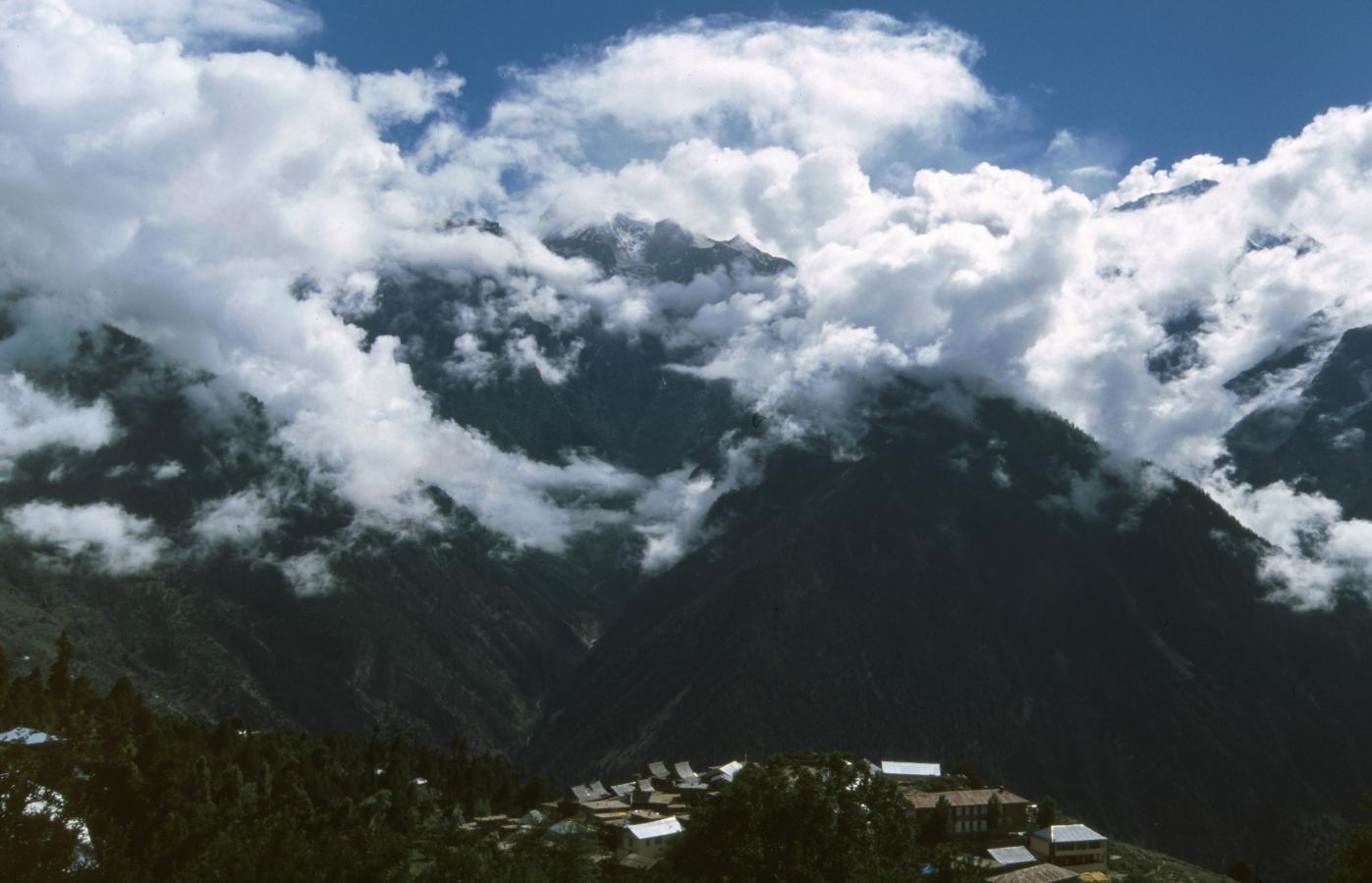 the-queen-of-hills-shimla-2003