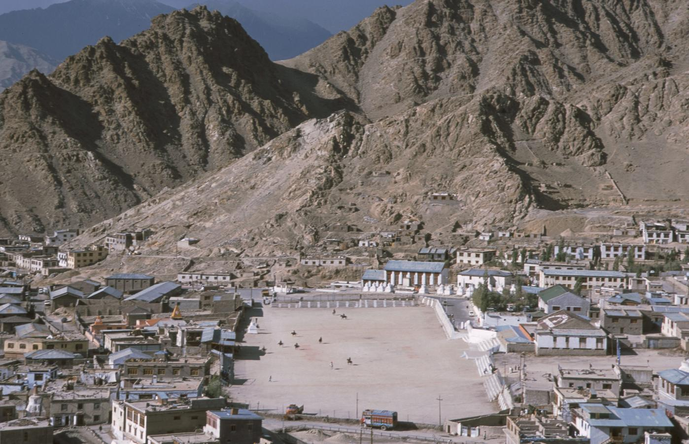 playing-polo-in-leh-2003