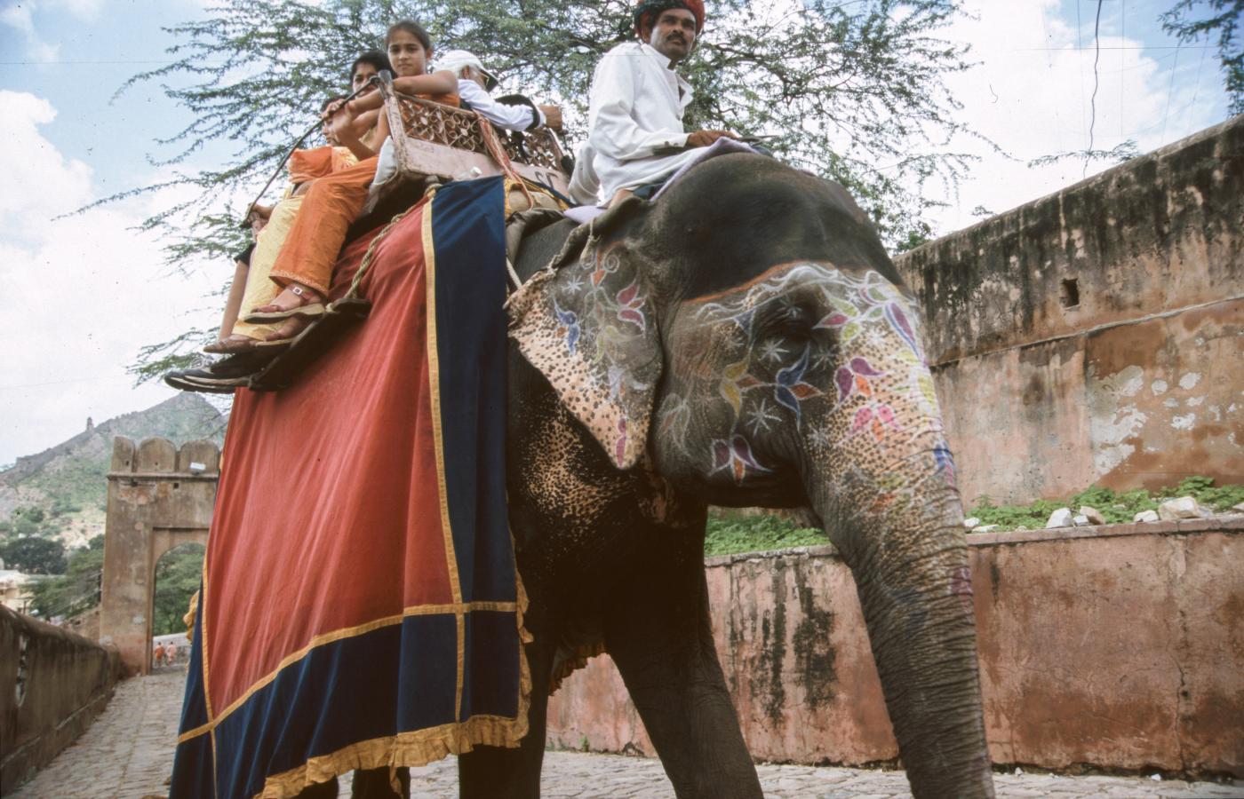 riding-an-elephant-jaipur-2003