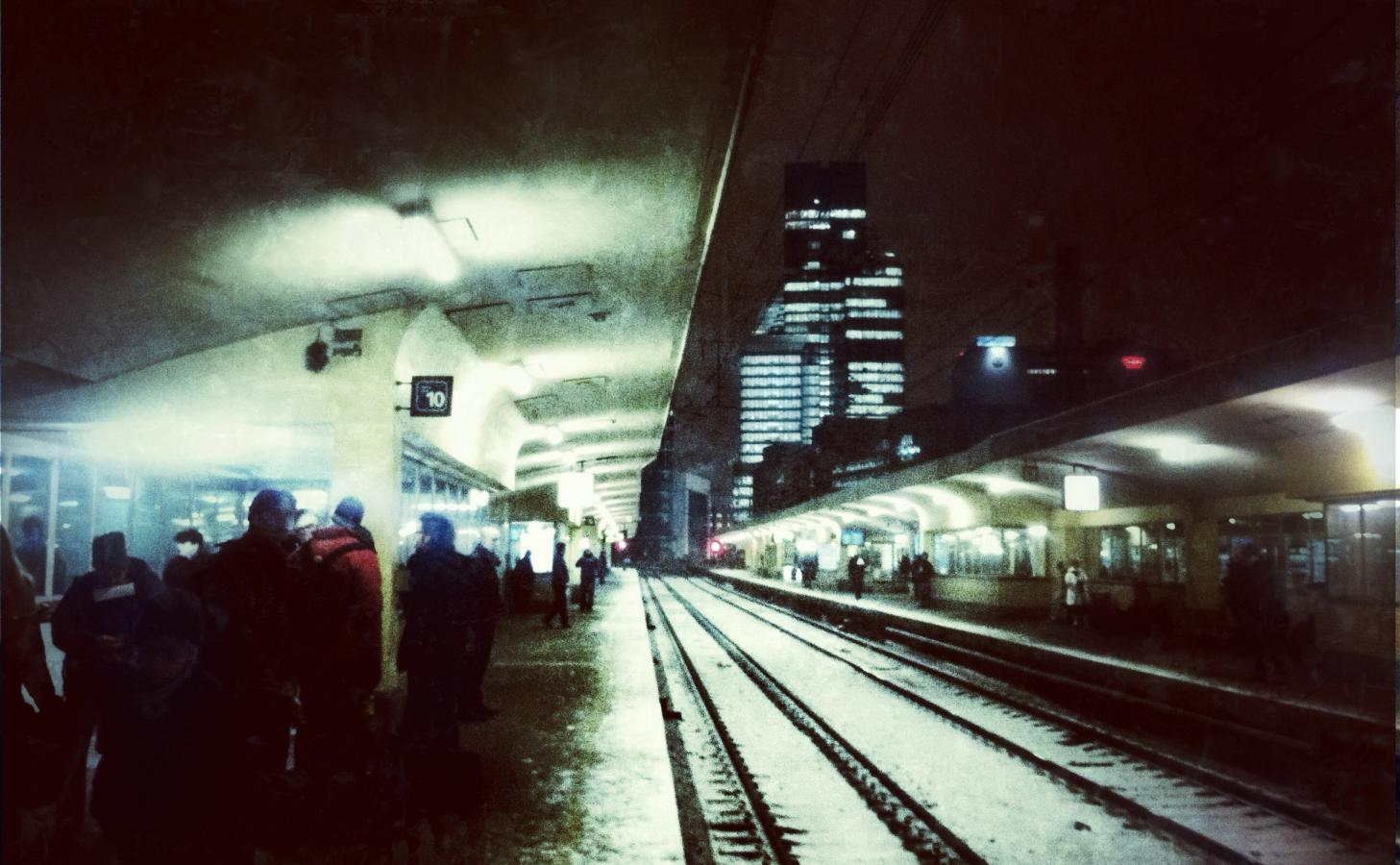 gare-du-nord-with-snow-bruxelles-2012