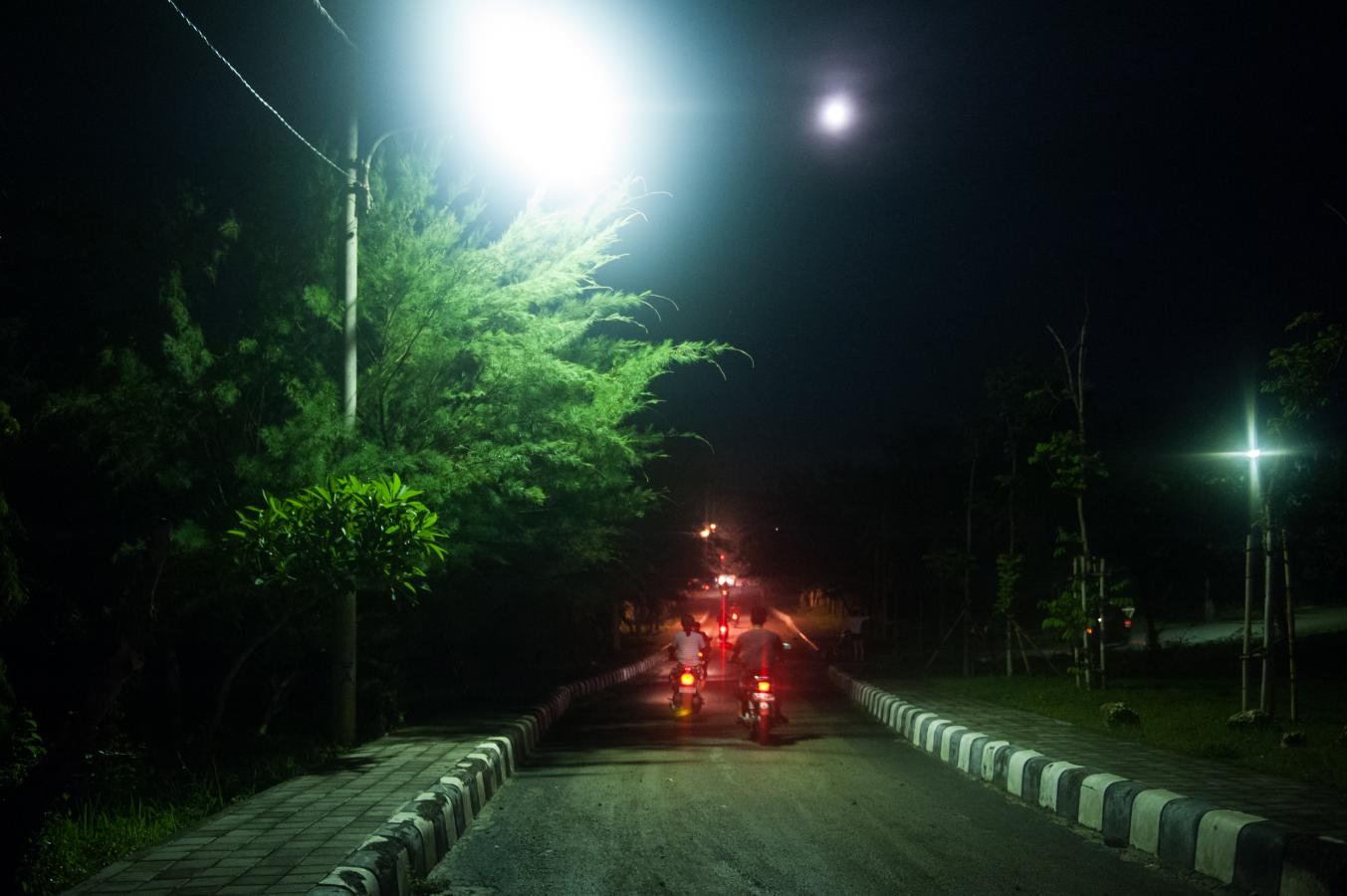 bikers-in-the-night-bali-2013